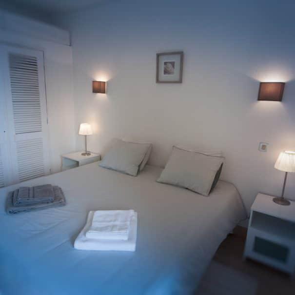 Chambre king size ou double lits simple